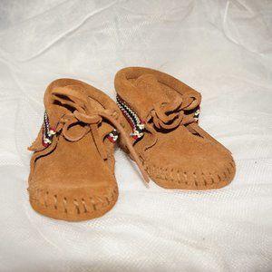 Minnetonka Infant's Braid Booties size 3 tan